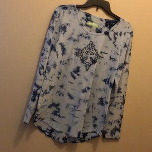 Earth Yoga shirt size large